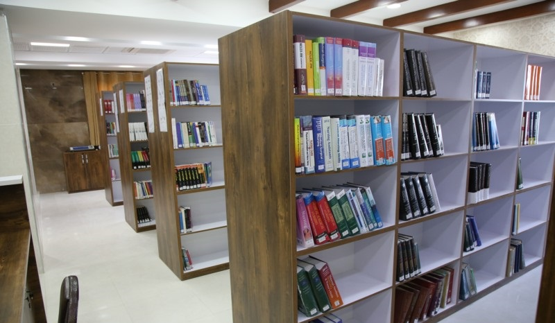 کتابخانه لارستان- مرکز آموزشی امام رضا ع